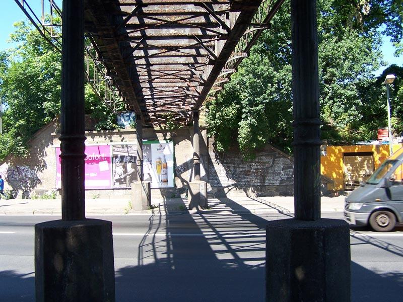 Brücke Nr. 5 der Dresdener Bahnh, die älteste der Yorckbrücken aus dem Jahr 1883